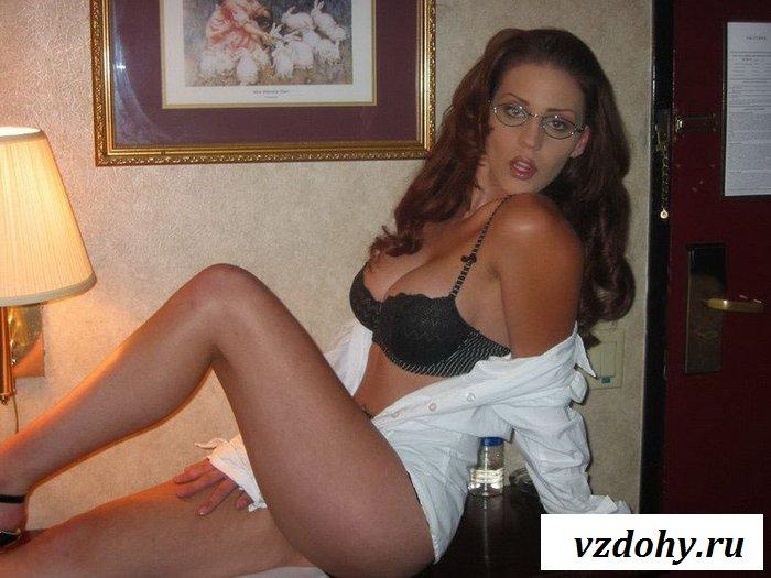 Любительские эротические фотографии развратной жены (14 фотографий)