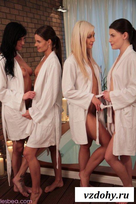 Оргия четверых красавиц в ванной