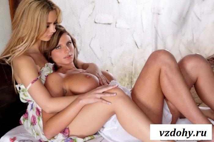 Голодные девки отлизывают киски