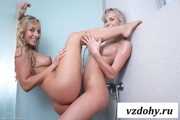 Прекрасные лесбиянки ласкаются в душе