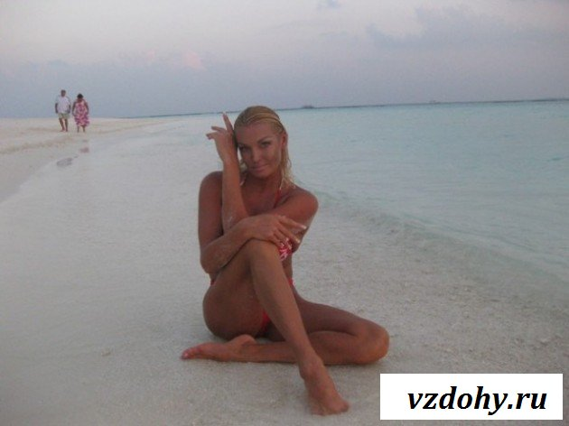 Волочкова была замечена голая на пляже