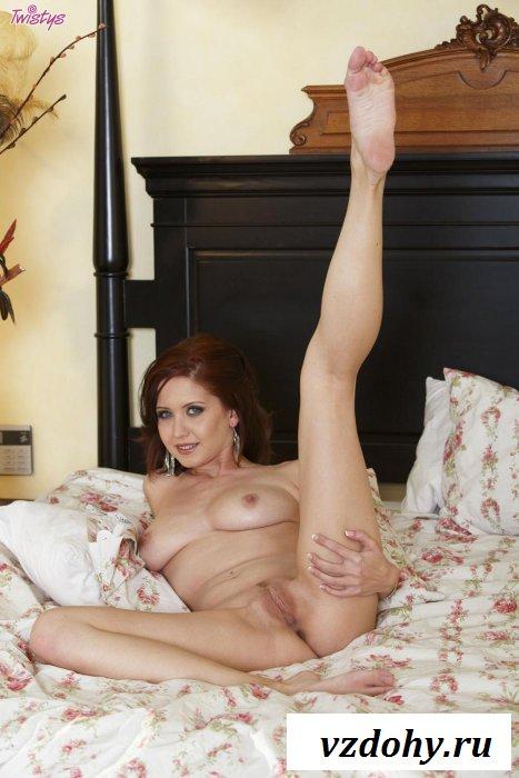 Рыжеватая зрелая женщина голышом хороша