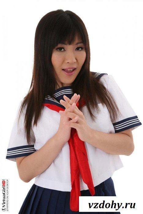 Китаянка среди моряков - секс символ