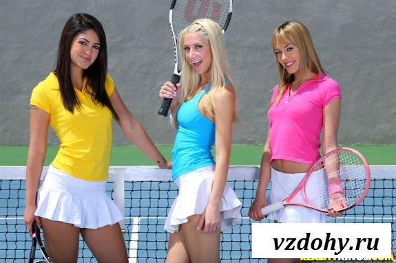 Теннисистки развращают прямо на корте