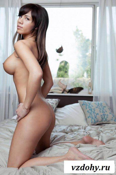 Сексуальная Lara Leverence с потрясающей грудью