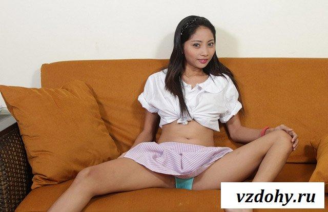 Худенькая азиатка с потрясаюим телом