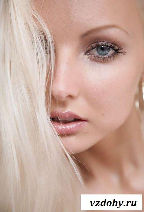 Классная эротика от молоденькой блондинки