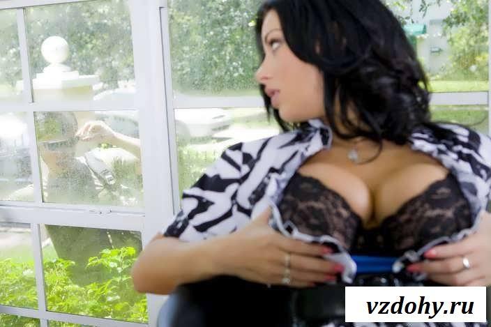 Раздетые сиси девахи с висячими губами (60 фото эротики)