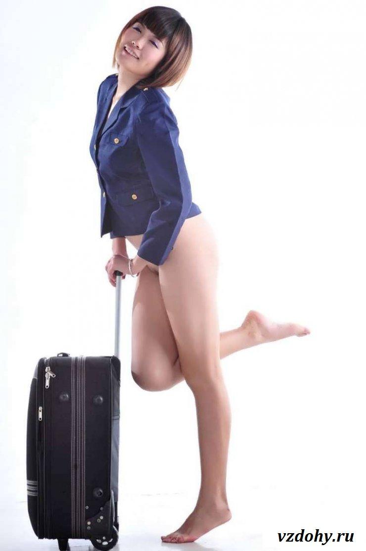 Сексуальные раздетые стюардессы с бритыми письками (20 фото эротики)