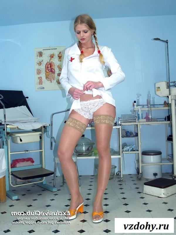 Эротика от русской врачихи с косичками