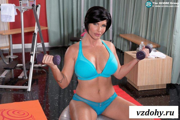 Фото голой мамочки на тренировке